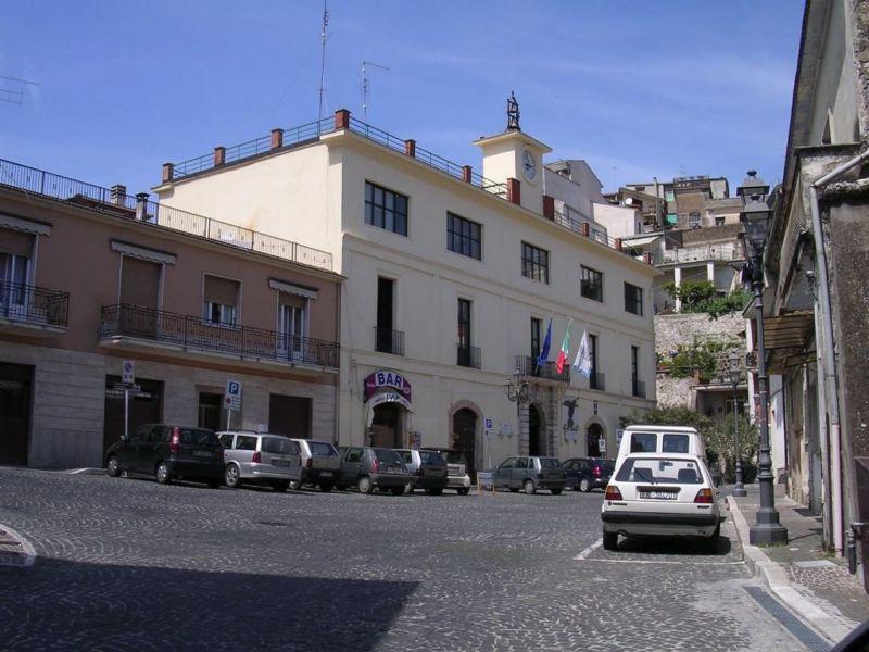 Piazza Umberto I- Comune di San Giovanni Incarico