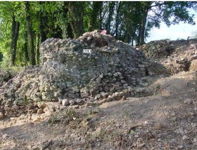 Muro di testata nord del criptoportico.