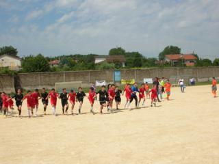 Fair Play dopo i calci di rigori tra i ragazzi del Campania Soccer e della Bagnolese